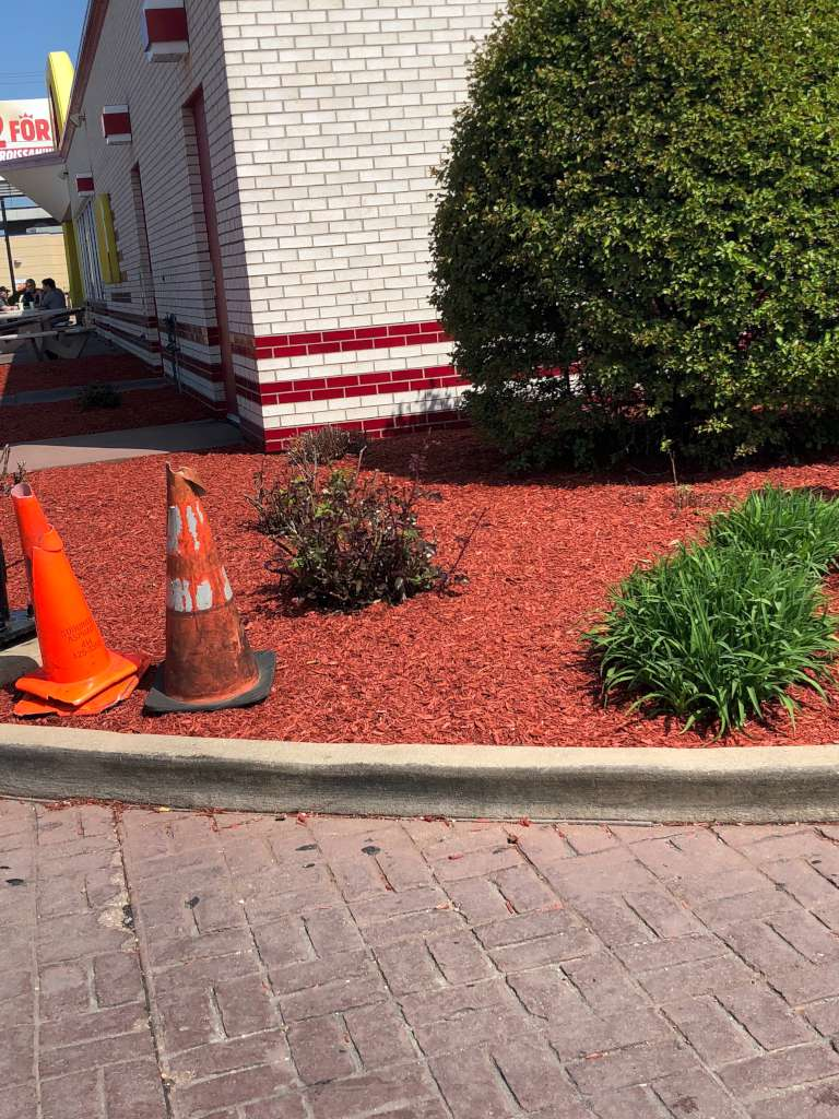 Luna Lawn Care Services Residential Mulching